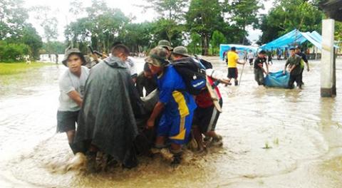 Reportan-3-muertos-y-5-estudiantes-desaparecidos-en-el-Rio-Ichoa-