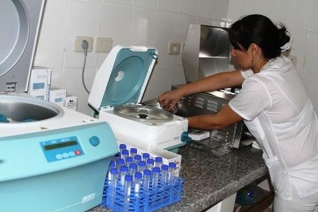 Inauguran-laboratorio-de-salud