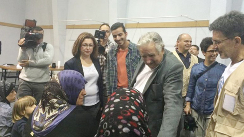 Uruguay-recibe-a-42-refugiados-sirios-