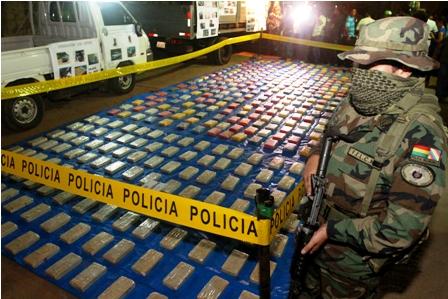 Policia-boliviana-decomisa-87-kilos-de-cocaina-en-un-autobus-que-iba-a-Chile