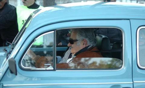 """Mujica-no-vendera-su-""""peta""""-rechaza-oferta-millonaria-de-jeque-arabe-"""