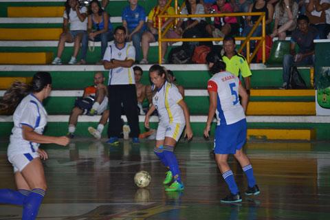 UAGRM-se-corona-campeona-en-la-categoria-Futsal-Damas-