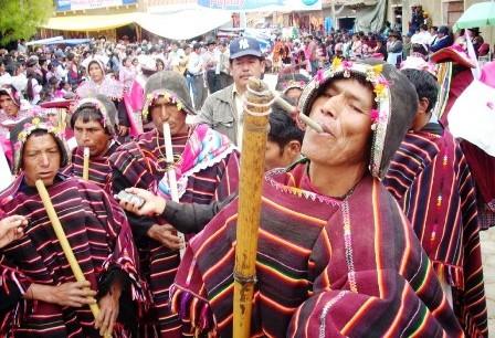 El-folklore-boliviano--esta-de-fiesta