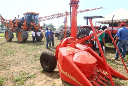 Legalizacion-de-maquinaria-agricola-llega-a-un-25%