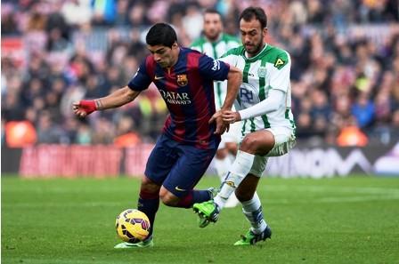 Barcelona-se-pone-a-un-punto-de-Real-con-goleada-