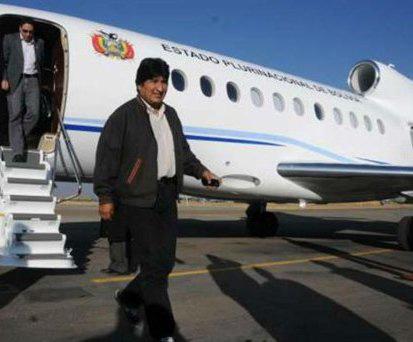 Morales-llega-a-Quito-para-participar-en-la-8va-Cumbre-Extraordinaria-de-Unasur