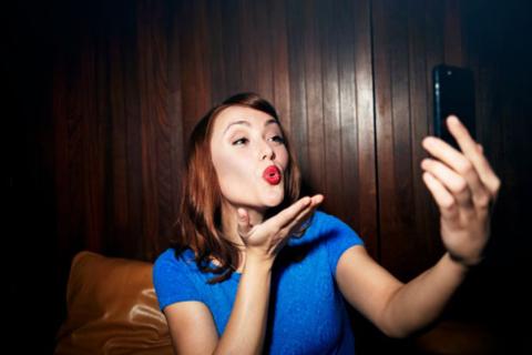 Las-posibles-secuelas-mentales-tras-tomarse-una--selfie-