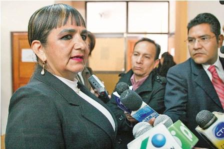 Senadora-lamenta-traicion-de-exlideres-crucenos