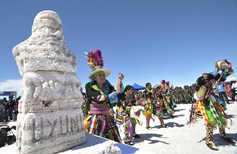 -Los-hombres-viajan-mas-que-las-mujeres-en-Bolivia