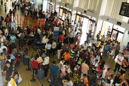 Pasajeros-dejaran-de-hacer-fila-para-pagar-derecho-de-aeropuerto-desde-el-lunes