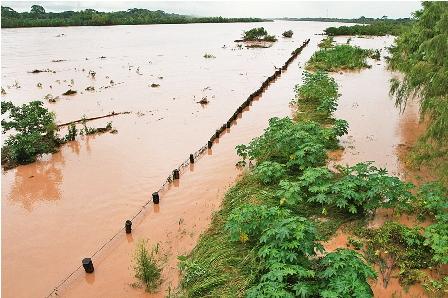 El-rio-Ichilo-se-desbordo