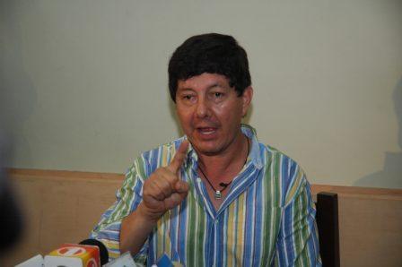 Un-periodista-acusa-a-Clavijo
