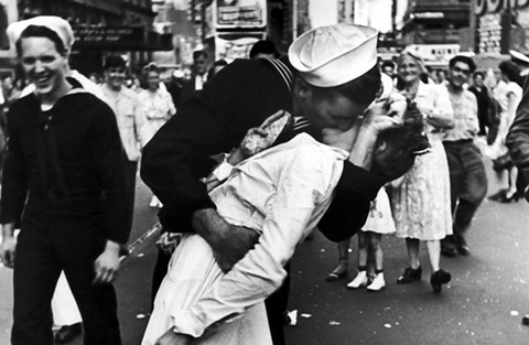 Muere-marinero-que-protagonizo-famosa-fotografia-de-beso-en-Times-Square