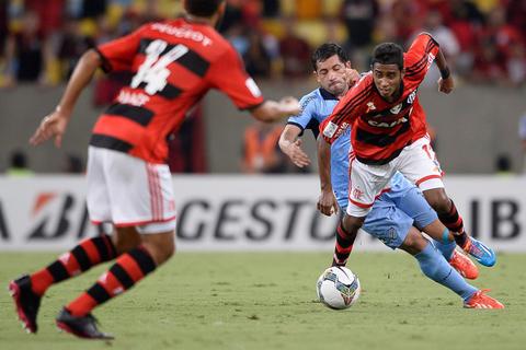 Flamengo-ya-entrena-en-Santa-Cruz-para-enfrentar-a-Bolivar