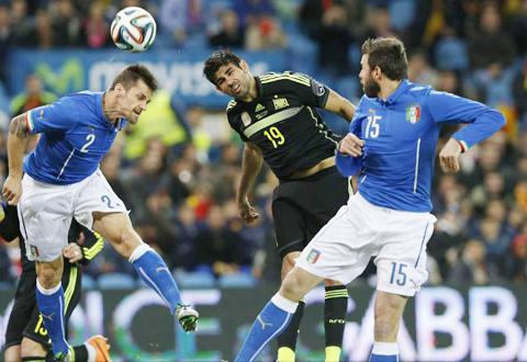 Espana-se-impone-a-Italia-(1-0)-en-un-flojo-debut-de-Diego-Costa