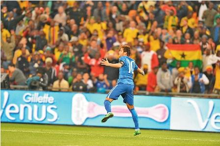 Brasil-golea-5-0-y-Argentina-empata
