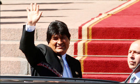 Morales-viaja-a-La-Haya-para-entregar-demanda-maritima-