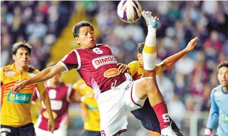 Carlos-Saucedo-recibe--elogios-en-Costa-Rica