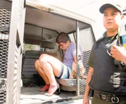 Peruanos-balean-a-chofer-de-camion