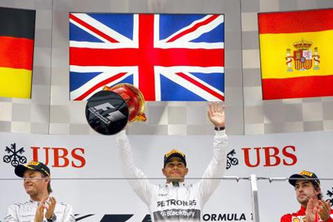 Lewis-Hamilton-gana-el-Gran-Premio-de-China