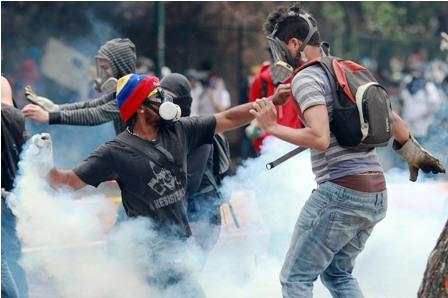 Maduro-pide-rebelarse-contra-la-violencia