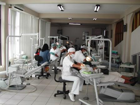 Los-medicos-deberan-emitir-facturas