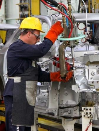 Buscan-salvar-empleos-del-sector-automotriz