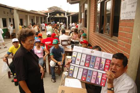 Santa-Cruz-y-La-Paz-tienen-el-50%-de-peso-electoral