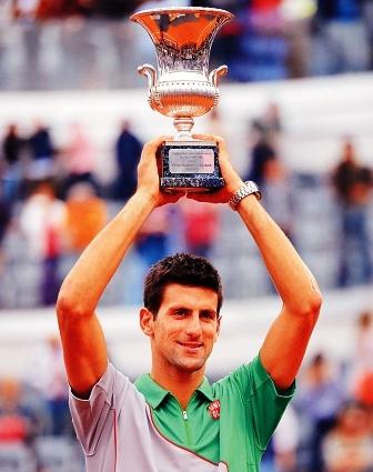 Djokovic-se-corona-en-Roma-tras-vencer-a-nadal-