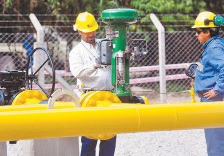 Bolivia-factura-1.554-millones-dolares-por-venta-de-gas-a-Brasil-y-Argentina