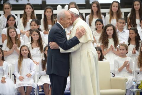 Presidentes-de-Israel-y-Palestina-rezaran-junto-al-papa-Francisco