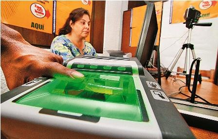 TSE-iniciara-registro-masivo-de-bolivianos-en-el-padron-biometrico-