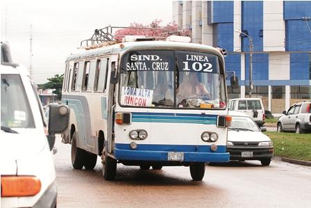 El-transporte-a-provincias-opera-con-micros-obsoletos