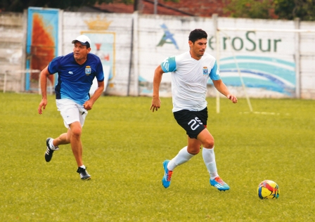 Blooming-Universitario-en-un-choque-de-extremos-