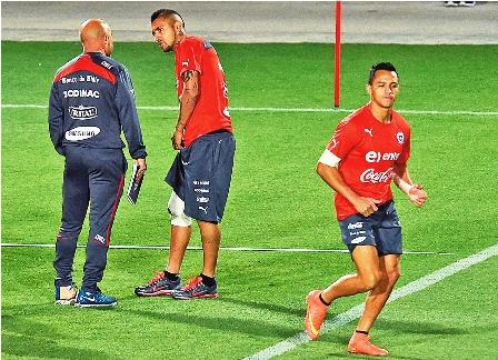 Arturo-Vidal-no-llega-para-el-debut-chileno