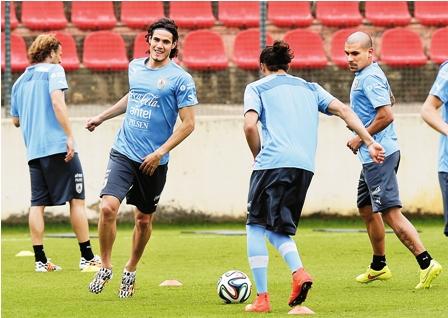 Uruguay-con-equipo-listo-para-el-debut