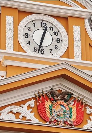 Gobierno-justifica--el-reloj-al-reves