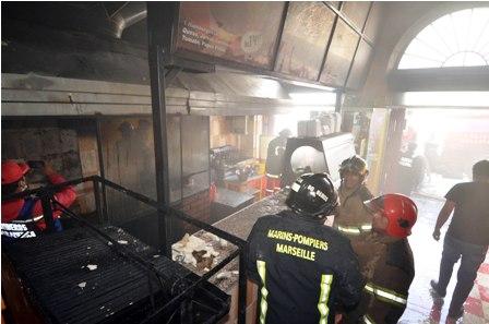 Arde-un-restaurante-por-falta-de-mantenimiento
