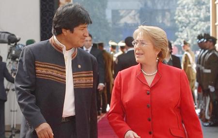 Morales-cree-que-Bachelet-se-equivoca-al-demandar-incompetencia-de-La-Haya