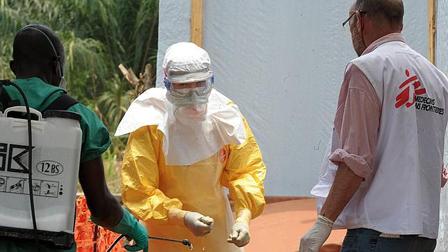 El-Ébola-se-cobra-mas-victimas-y-corta-vuelos-en-oeste-africano