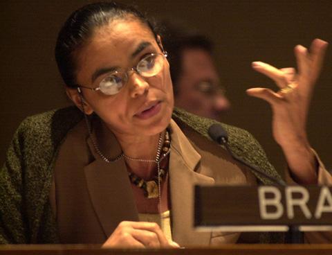 Marina-Silva-detras-de-Rousseff-en-presidenciales-en-Brasil-