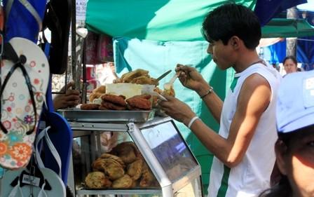 Descontrol-en-la-comida-que-se-vende-en-las-calles
