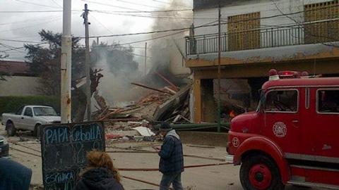 Dos-muertos-y-al-menos-12-heridos-tras-explosion-en-un-super-en-Argentina