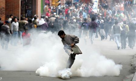 Gases-lacrimogenos,-de-las-trincheras-a-las-calles