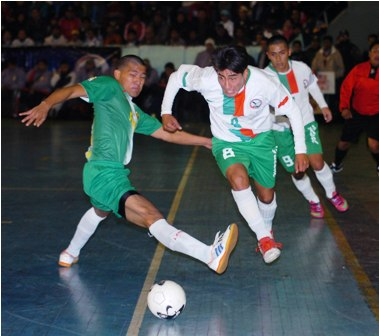Santa-Cruz-goleo-a-Oruro-en-el-nacional-sub-20-de-futsal
