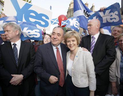 David-Cameron-lanza-alerta-a-escoceses