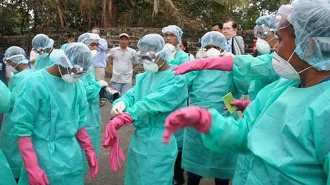 Una-voluntaria-francesa-con-ebola-sera-evacuada-de-Liberia-a-su-pais-natal-