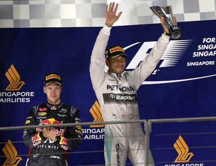 Hamilton-alcanza-la-punta-en-Singapur