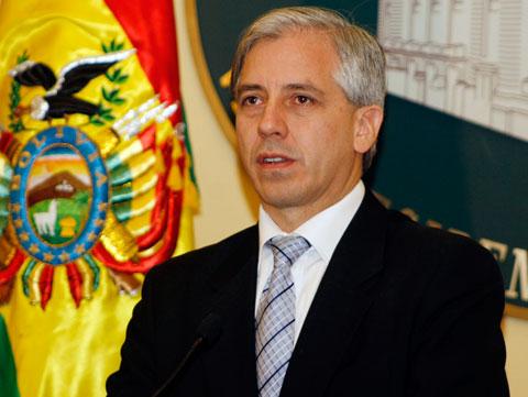 -Vice--dice-a-jovenes-que-no-serian-bolivianos-si-permiten-el-retorno-de-los--vende-patrias--