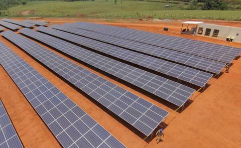 Inauguran-en-Pando-primera-planta-de-energia-solar-
